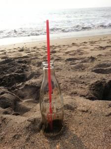 Eine Cola am Cola Beach in Goa