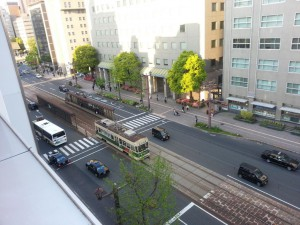 Blick von unserem Hostel auf eine alte Straßenbahn