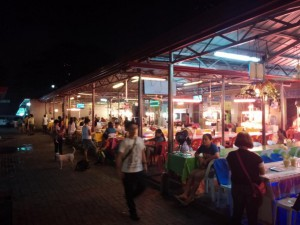 Der kleine BBQ-Markt Larcian