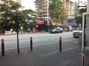 Gesperrte Straße vor dem Hostel am Morgen
