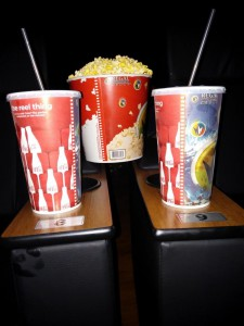 Cola und Popcorn im Kino