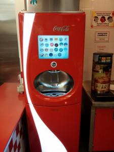 Der Automat kann mehr als 100 Getränke mixen