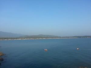Blick auf den Strand in Palolem von der Affeninsel