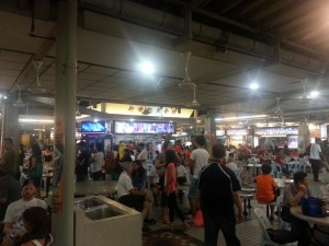 Der Foodcourt in Singapor