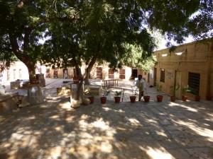Das ehemalige Gefängnis heute Schule und Kindergarten