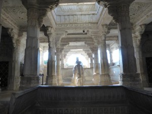 Tempel Chaumukha Mandir in Ranakpur