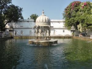 Wasserspiele im Saheliyon ki Bari