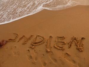 Am Strand in Kollam (mit org. indischen Füßen)
