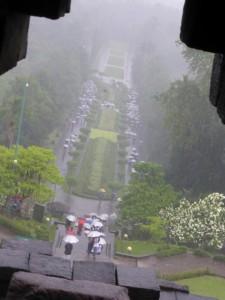 Es regnet heftig