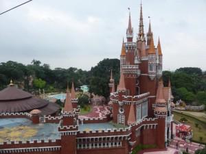 Ein (fehlplatziertes) Schloss im Taman Mini