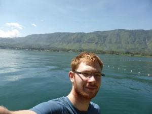 Ich am See Toba
