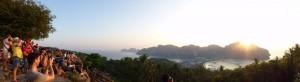 Panorama vom Berg im Sonnenuntergang