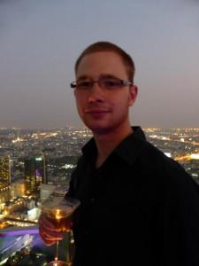 Ich mit Hangovertini auf der Skybar