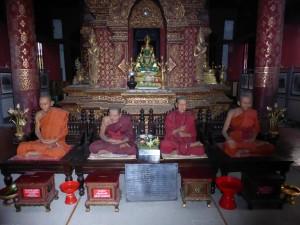 Mönchsfiguren (habe eine Weile überlegt, ob sie nicht doch echt sind)