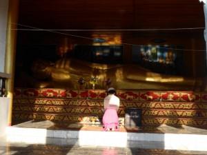Liegender Buddha im Wat Mae Ye