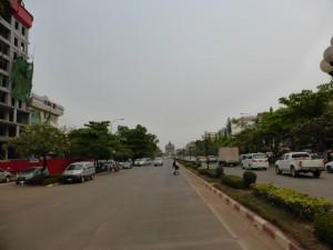 Lane Xang Avenue - die lokale Champs-Élysées