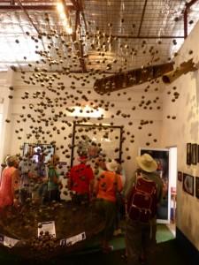 """Beispiel einer Cluster Bombe mit vielen """"Bombies"""""""