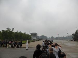 Schlange stehen am Ho Chi Minh Mausoleum