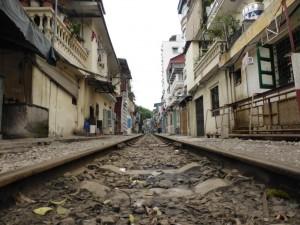 Gleise in Hanoi