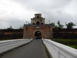 Auf dem Weg in die Zitadelle von Thang Long (Hue)