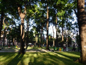 Es gibt viele grüne Parks in Saigon