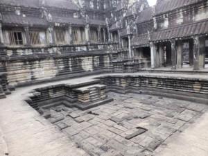 Ein ehemaliges Planschbecken im Tempel