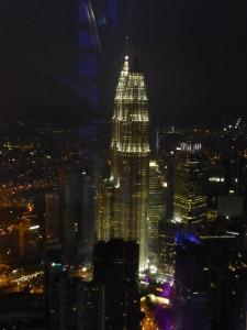 Die Petronas Tower in der Nacht