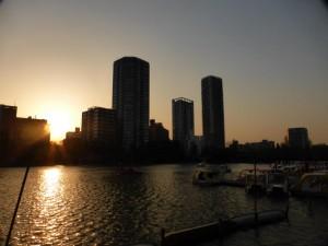 Skyline im Sonnenuntergang nahe des Ueno-Parks