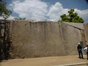 Größter Stein im Schloss (knapp 60m³ und 108Tonnen)