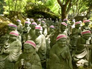 Buddhas mit Mützchen