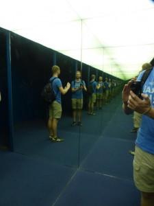 Spaß mit Spiegel im Science Museum