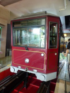 Die historische Tram am Victoria Peak
