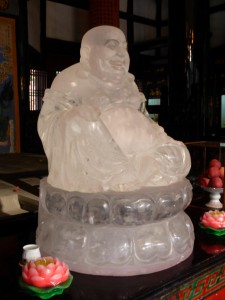 Durchsichtiger Buddha in der Wenshu Monastry