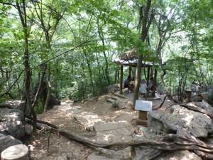 Auf der Hügelspitze im Lingyin Temple
